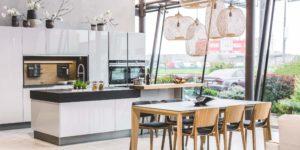 kuchyne sedy vysoky lesk