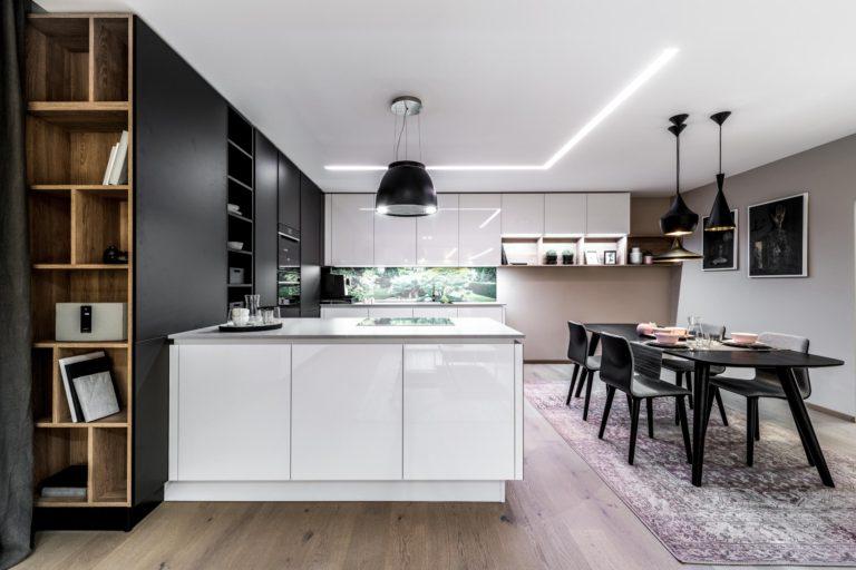 Kuchyň akrylát černá bílá